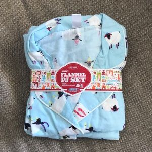 Old Navy Women's Flannel PJ Set